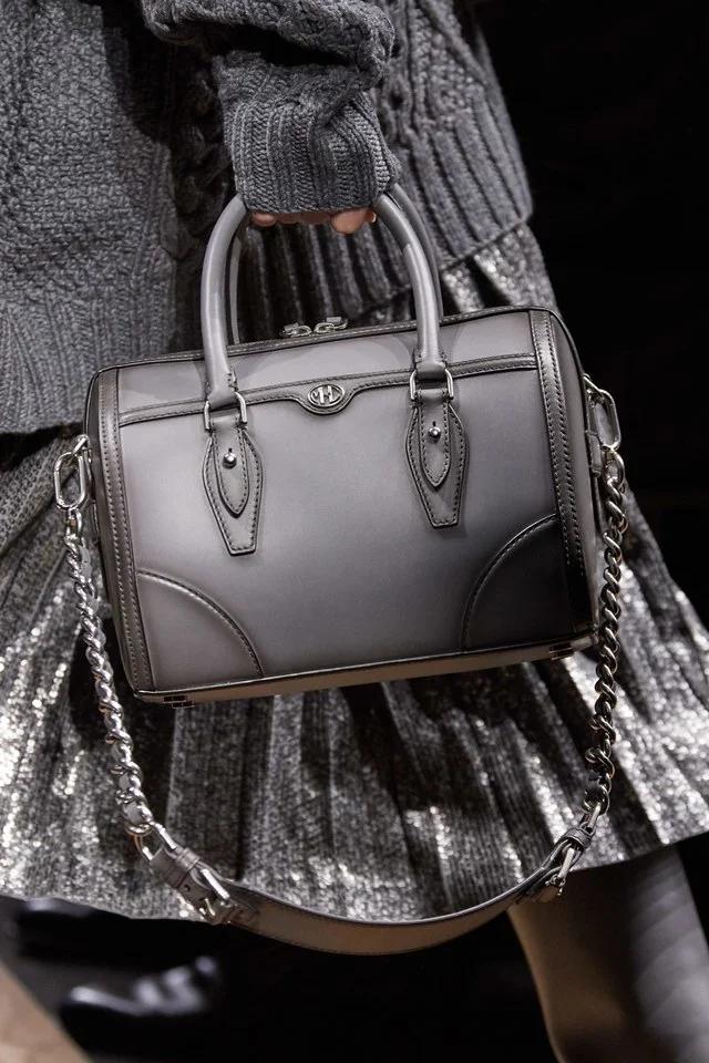 Épinglé sur AW20 Handbags