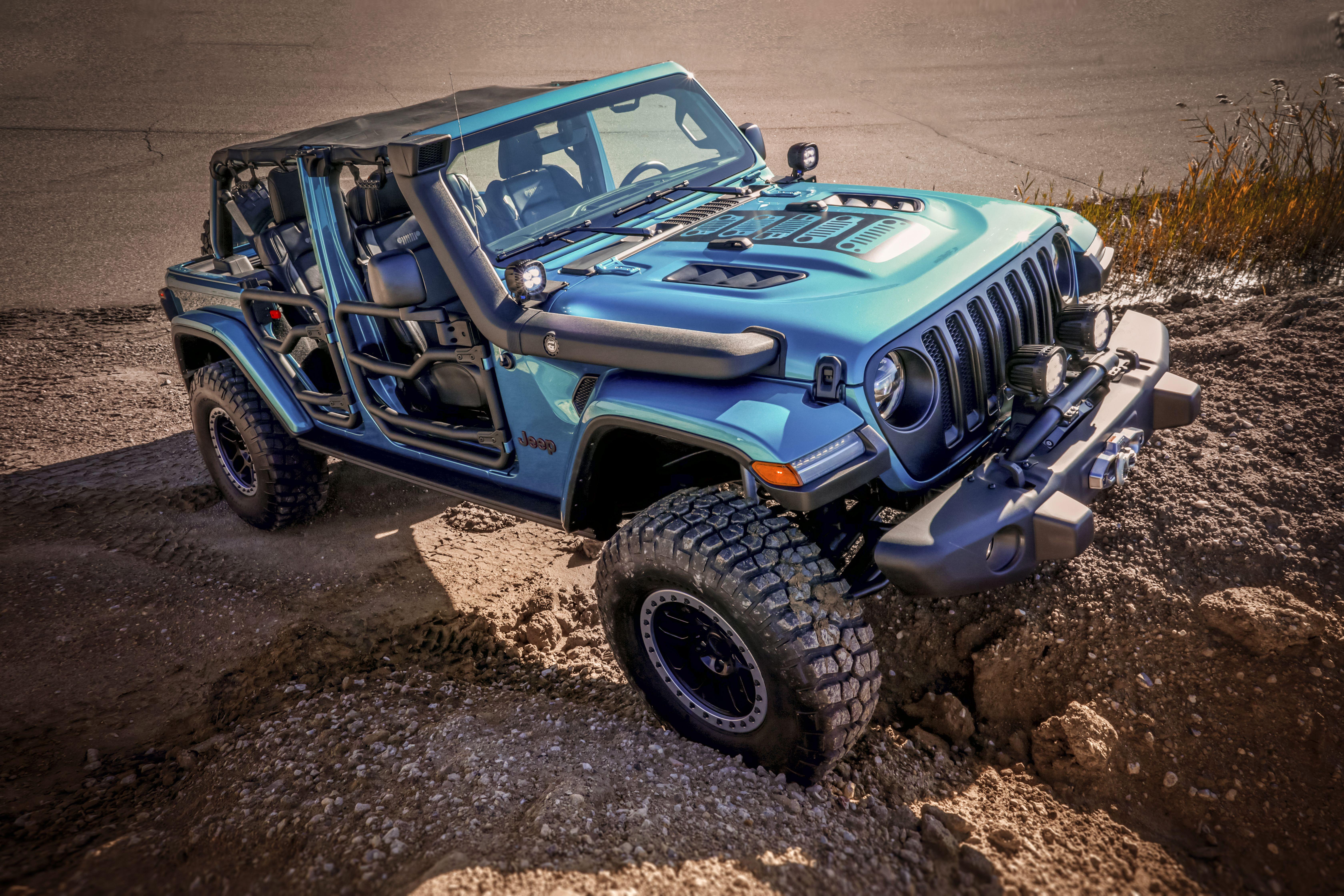 Moparized Jeep Wrangler Rubicon Jl Love The Snorkel In 2020