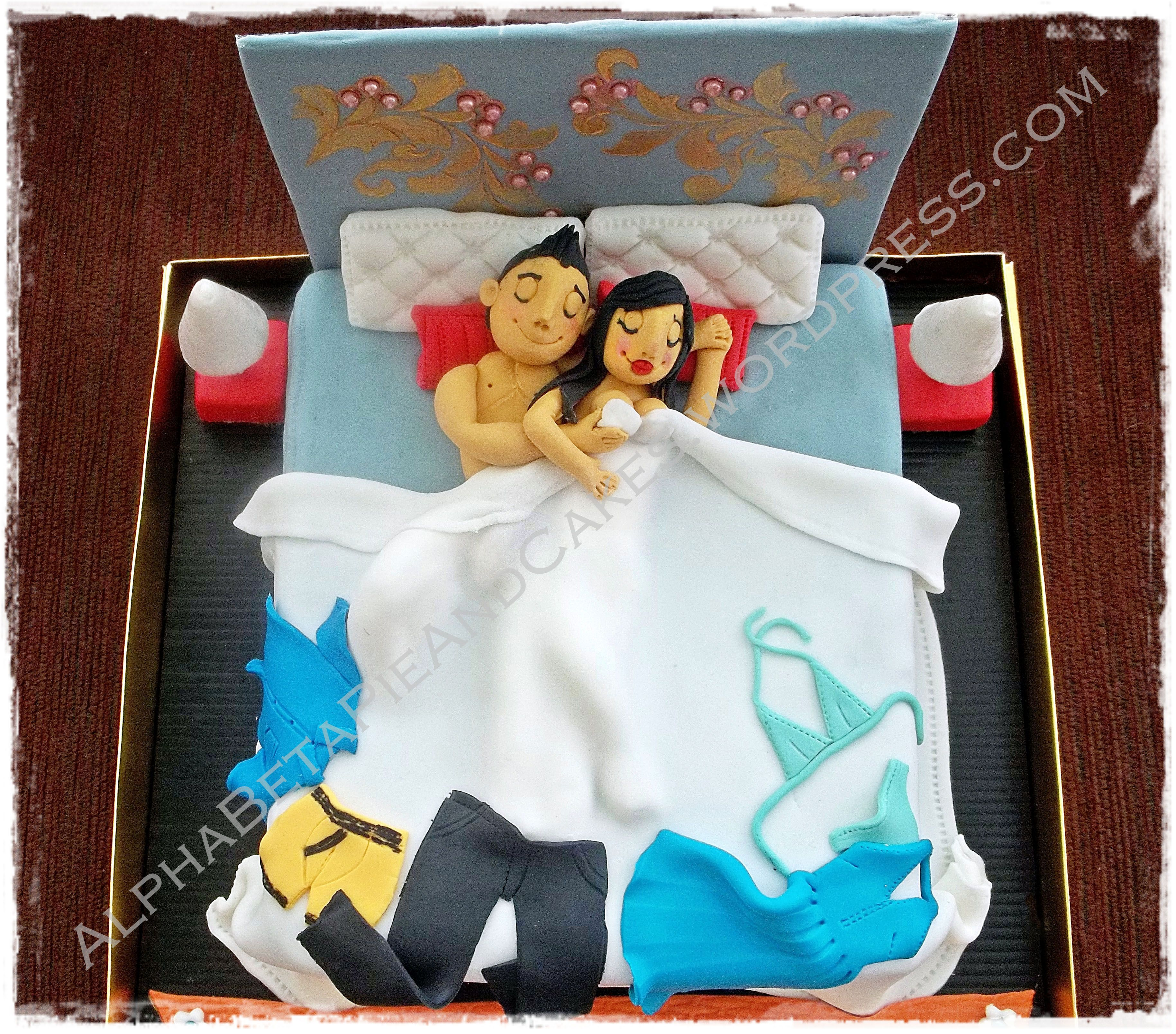 3d Bed Cake Idea Golden Girl On The Bed James Bond Movie Bed