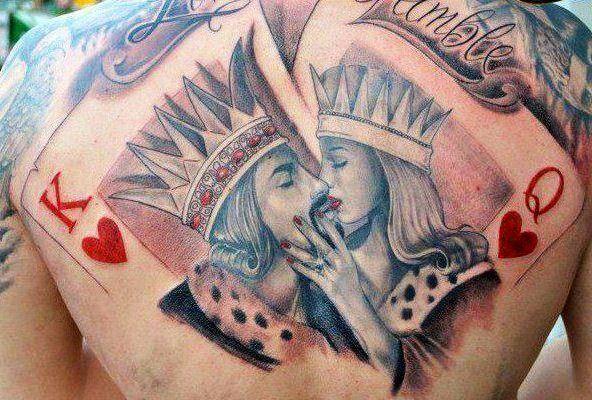 Magnifique Tatouage Carte De Jeu Roi Et Reine Dans Le Dos Homme