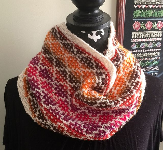Ravelry: Diamonds in the Rough Cowl pattern by O/C Knitiot Designs - Deby Lake