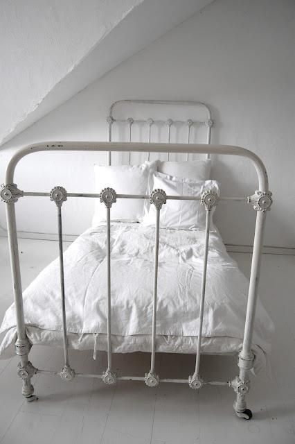 Simple Can Also Be Beautiful With Images Twin Bed Frame