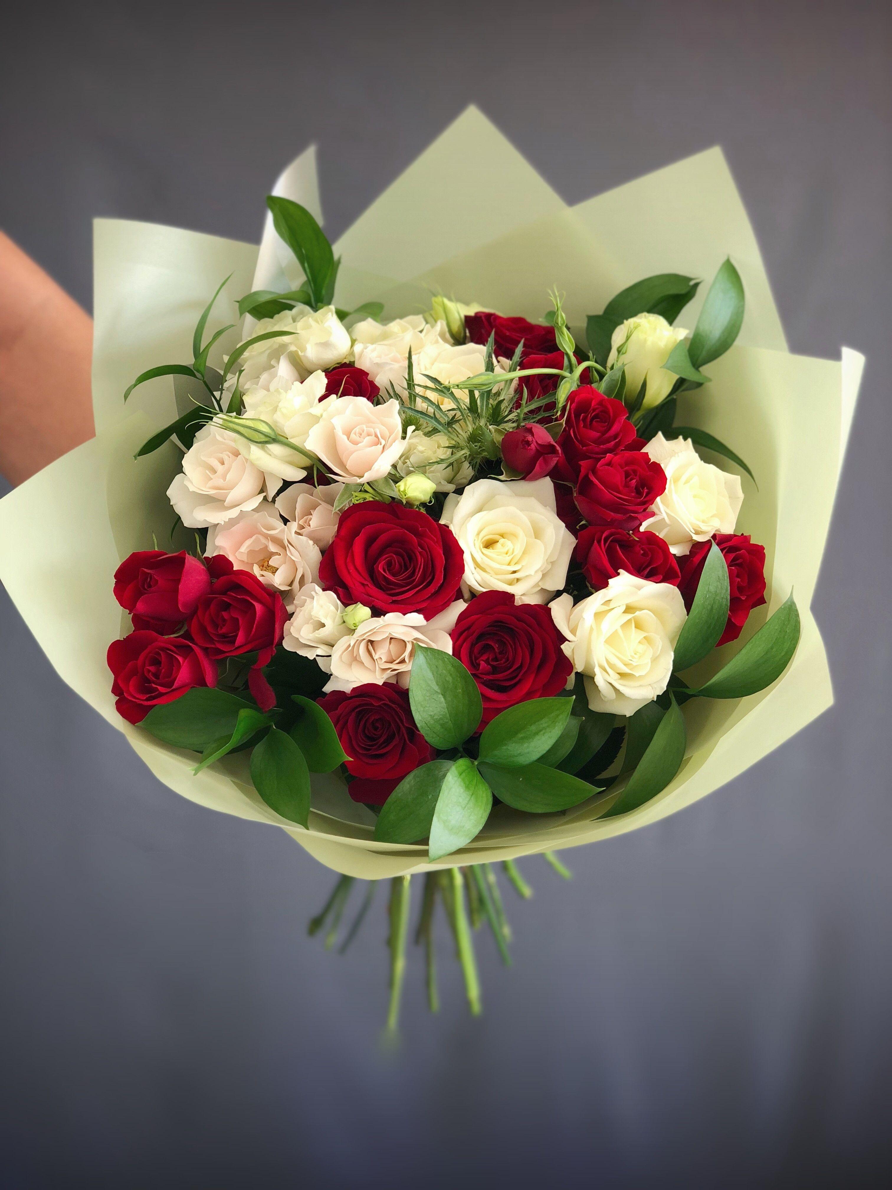 13 bouquet medium red & white in Hallandale Beach, FL K