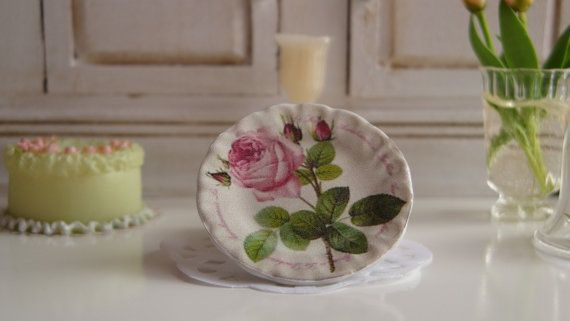 Versailles  Plate for Dollhouse by Twelvetimesmoreteeny on Etsy, €2.80