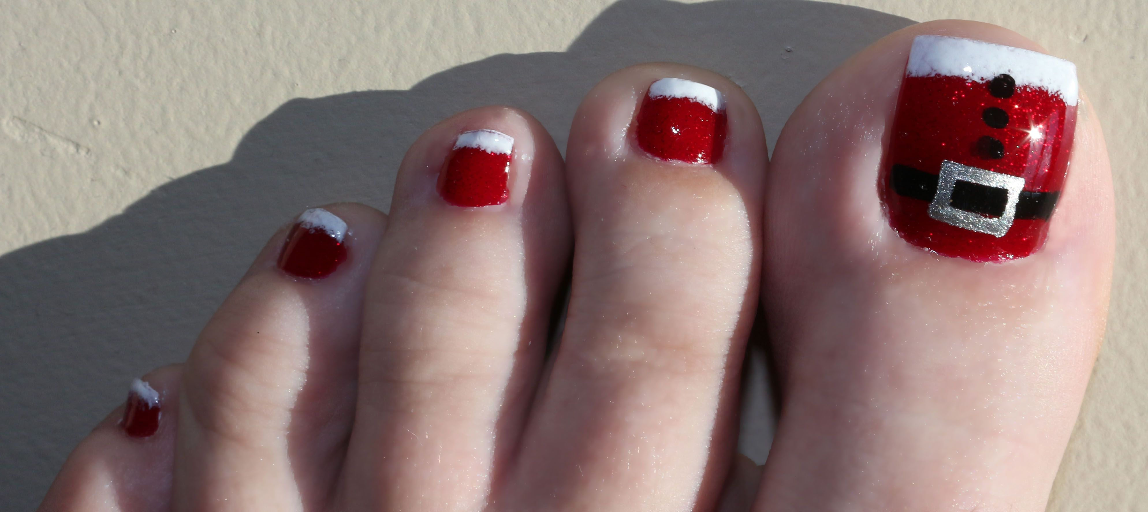 30 best and easy christmas toe nail designs christmas toes toe 30 best and easy christmas toe nail designs prinsesfo Gallery