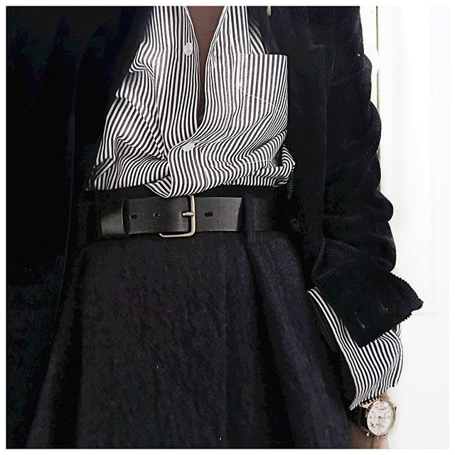 Veste velours, Chemise et jupe ✨ • Jacket #sezane (from @Sezane) • Shirt #goldengoose (from @lagrandeboutiquelgb) • Skirt #bash (from @bashparis) • Watch #williaml1985 (from @williaml1985) ...
