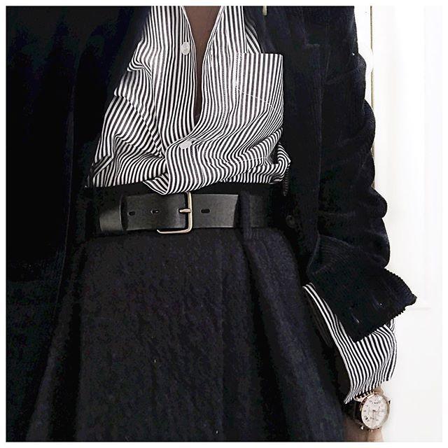 Veste velours, Chemise et jupe ✨ • Jacket #sezane (from @Sezane) • Shirt #goldengoose (from @lagrandeboutiquelgb) • Skirt #bash (from @bashparis) • Watch #williaml1985 (from @williaml1985) ...