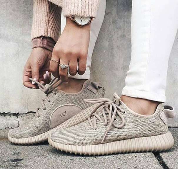 Yeezy Neutral Sneakers </p>                     </div>                     <!--bof Product URL -->                                         <!--eof Product URL -->                     <!--bof Quantity Discounts table -->                                         <!--eof Quantity Discounts table -->                 </div>                             </div>         </div>     </div>              </form>  <div style=