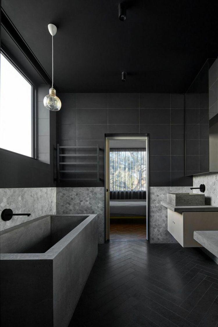 Fischgratmuster Schwarzes Badezimmer Fliesen Wand Beton Badewanne Modern Bathroom Style Bathroo Bathroom Interior Design Dark Interior Design Black Bathroom