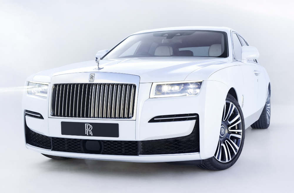 The All New 2021 Rolls Royce Ghost Will Spoil You For Choice Carscoops Rolls Royce New Rolls Royce Royce