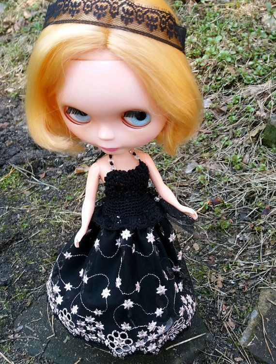 Black DRESS for Blythe and Momoko dolls OOAK by ZomiDollClothes