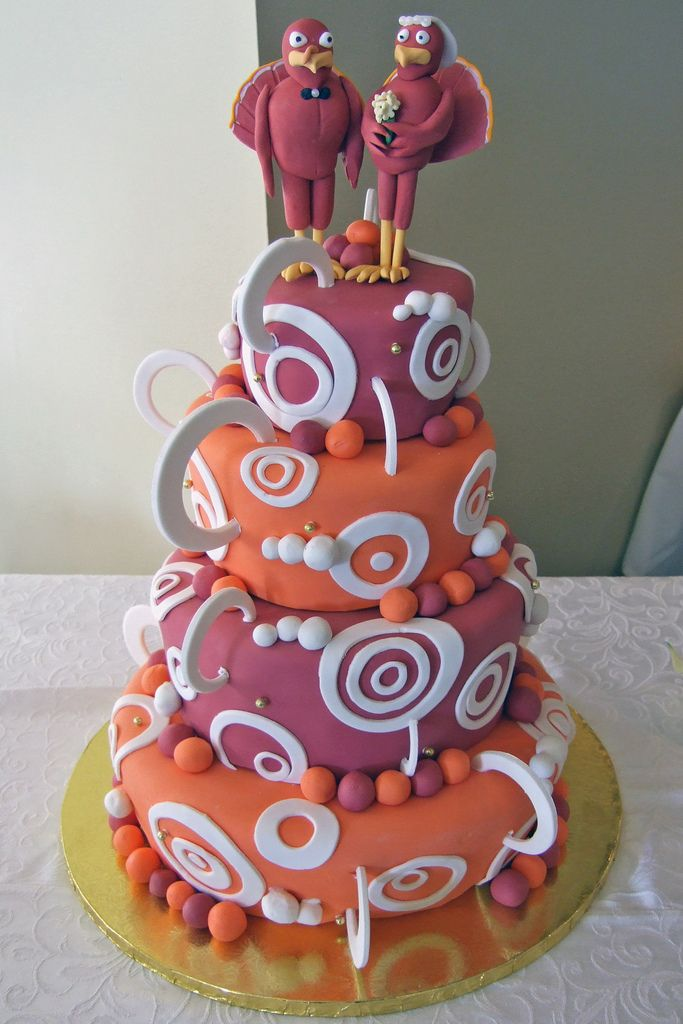 Virginia Tech Hokies themed wedding cake - now that's what I call being a dedicated fan! Image by Joe Loong (CC-BY-SA).