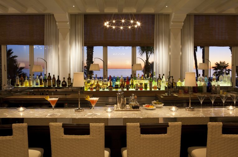 Catch wine bar beach club glamour at casa del mar in for The fish market del mar