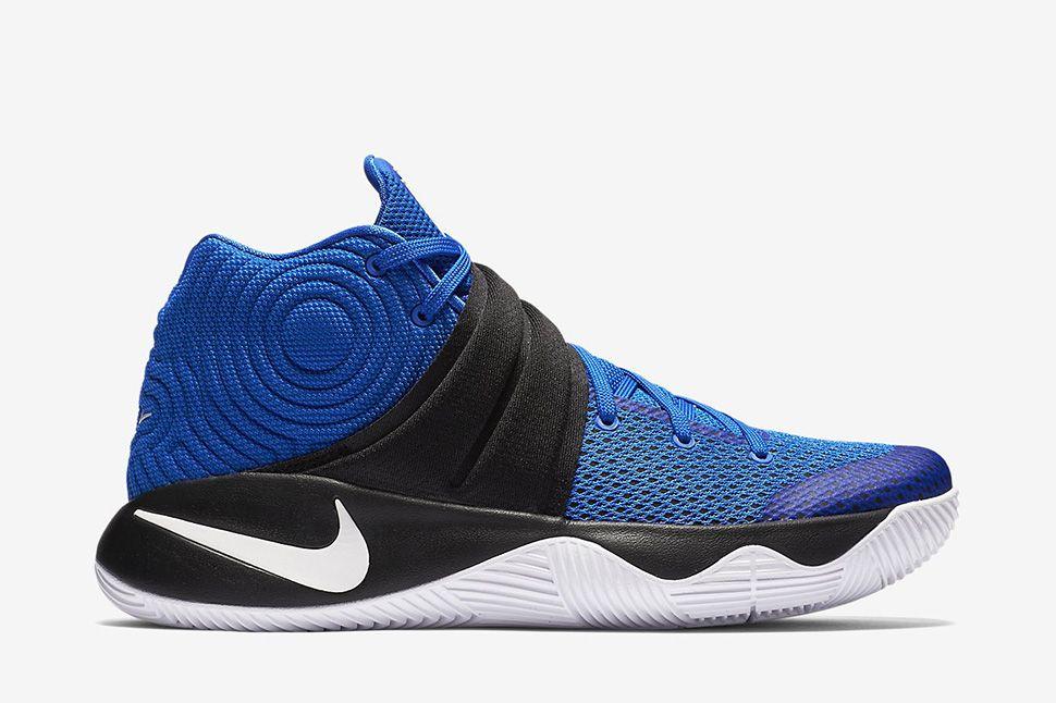 f6f4c095361e Nike KYRIE 2