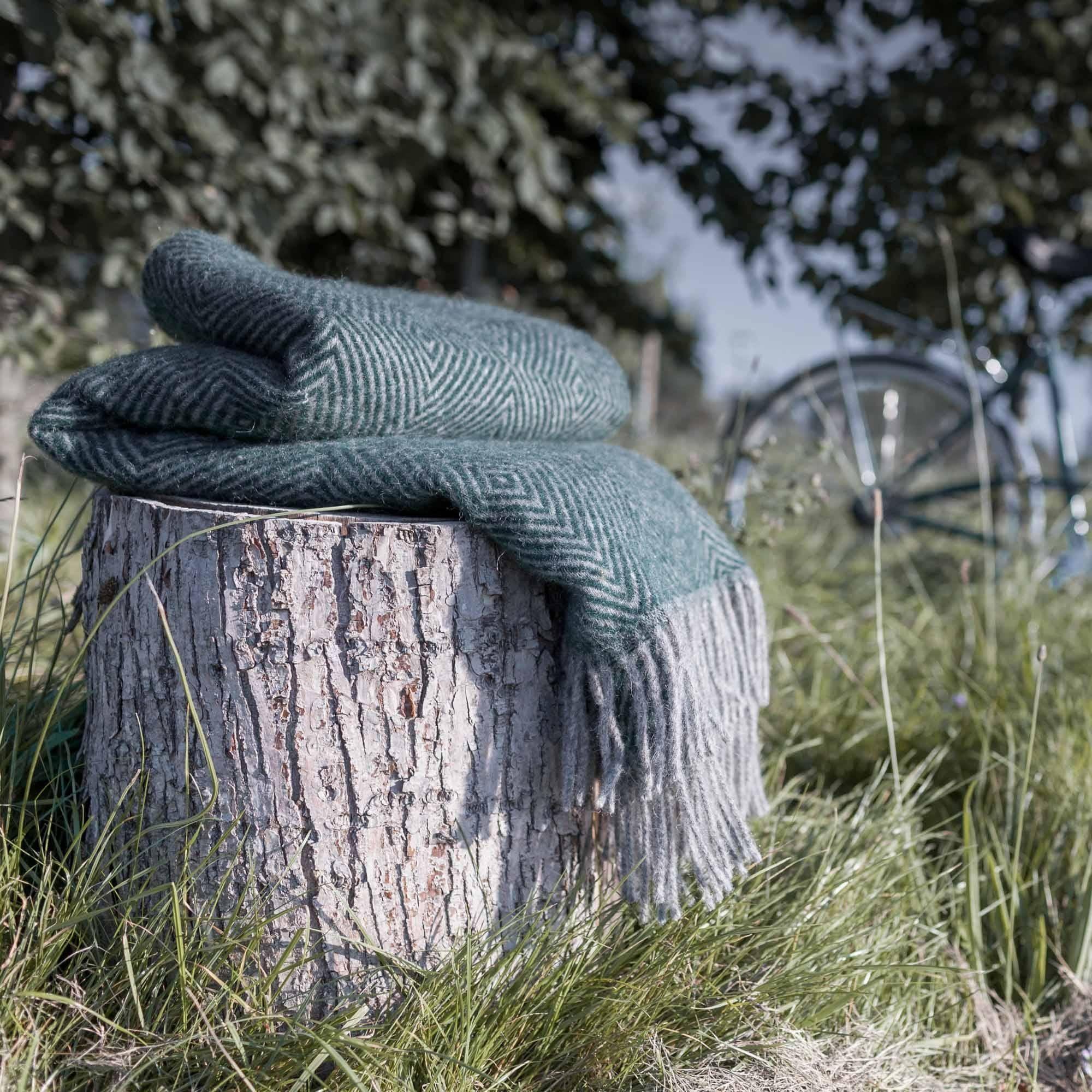 Welche Decke Warmt Am Besten Wolldecke Urbanara Und Deckchen