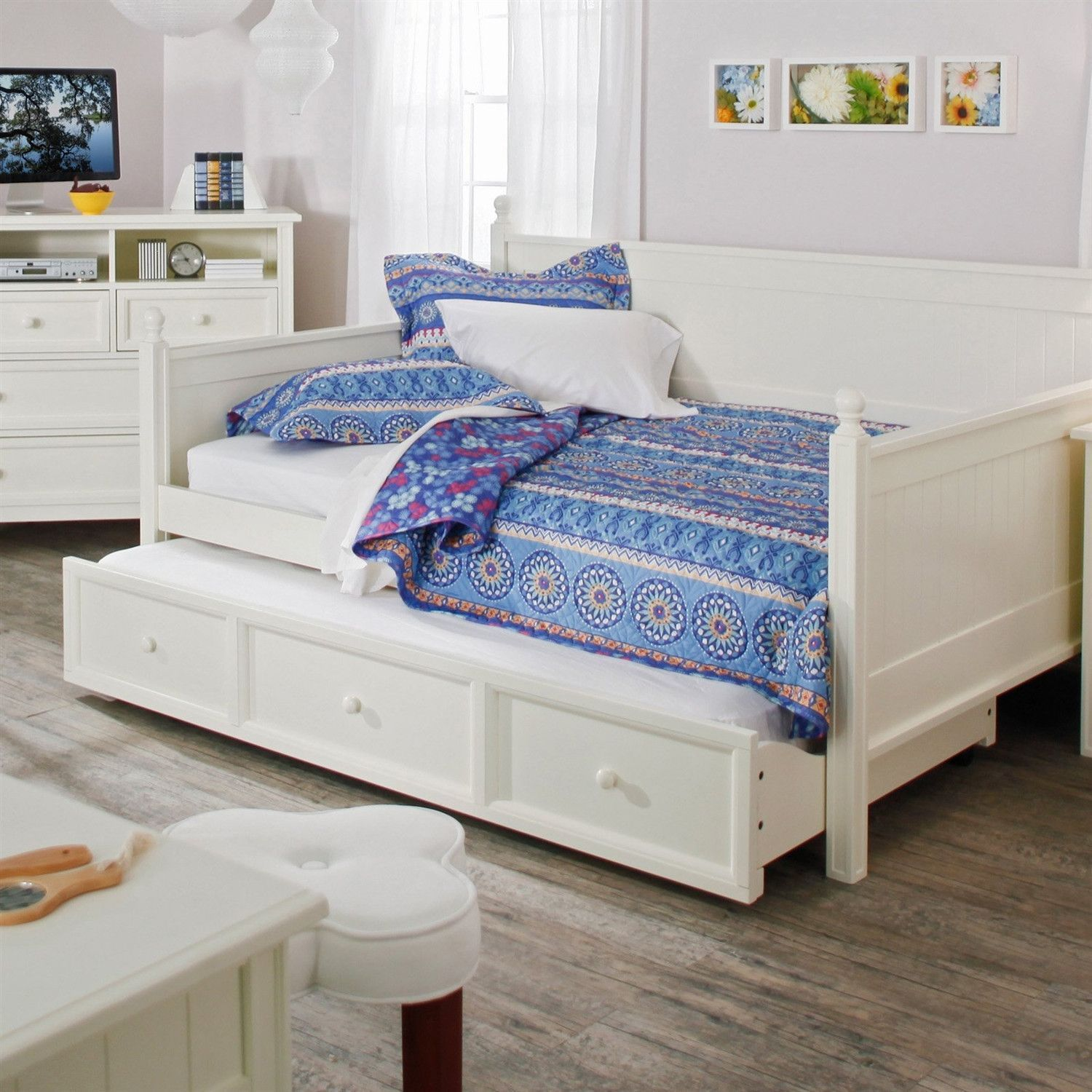 Full Size White Wood Daybed With Pull Out Trundle Bedroom Bed