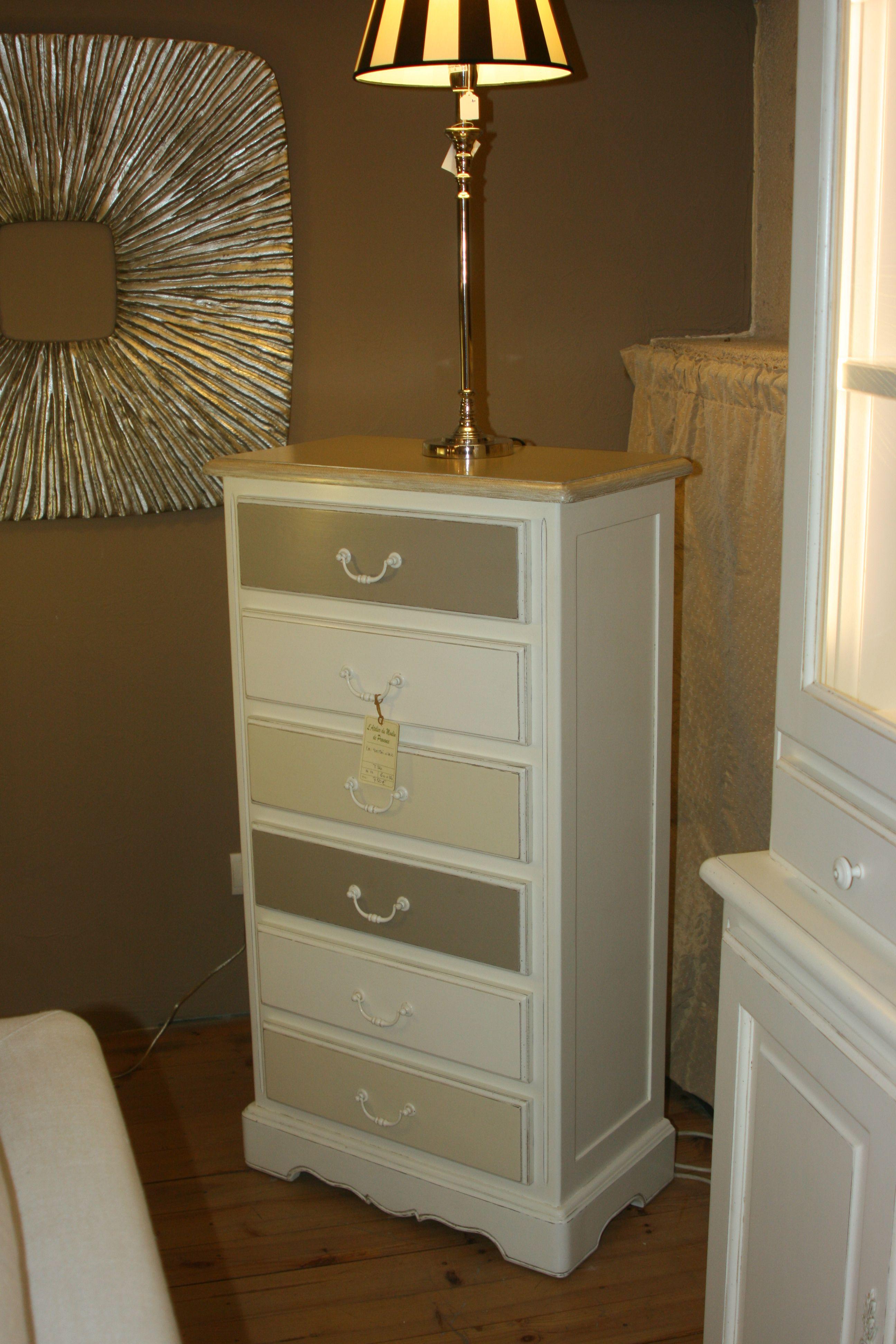 top vous cherchez un meuble peint style provenal dcouvrez la collection de bahuts et de commodes. Black Bedroom Furniture Sets. Home Design Ideas