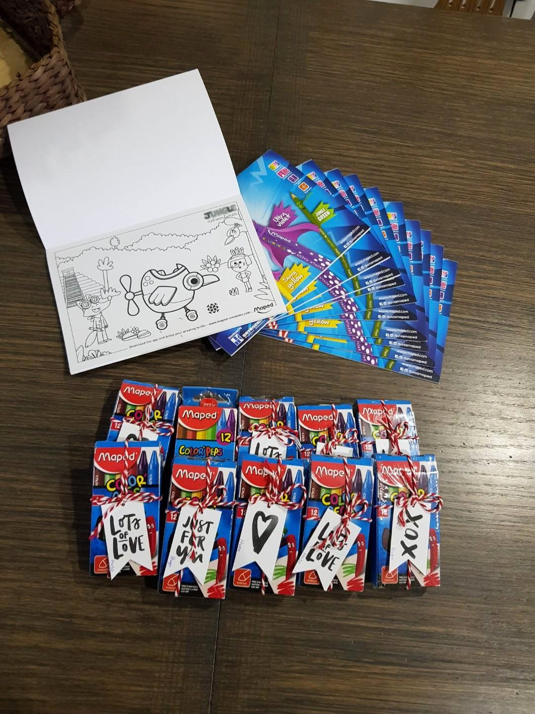 Coloring Book Party Favors Awesome 10 Sets Of Crayons And Coloring Book Party Favours Goo Christmas Coloring Books My Little Pony Coloring Book Party