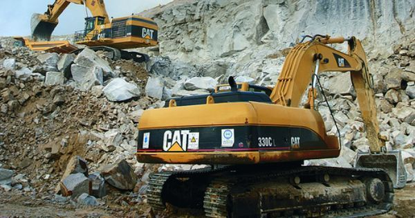 Waco CAT Caterpillar bulldozer water tankers trucks track loaders graders feller bunchers CAT lube service maintenance Caterpillar radiator service Waco CAT machine powertrain engine rebuilds Waco TX cat work zone Photography http://ift.tt/1OtDdVa #Pinteresting