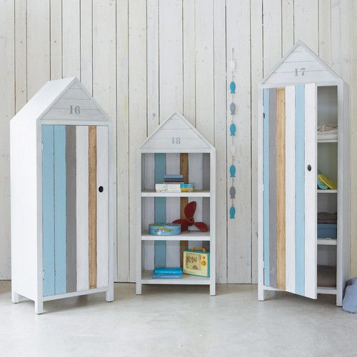 Beautiful Kleiderschrank aus Holz im Strandkabinen Look B cm wei gibt us bei Maisons du Monde Einrichtung f r Kinderzimmer und Baby Zimmer hier bei uns im Shop