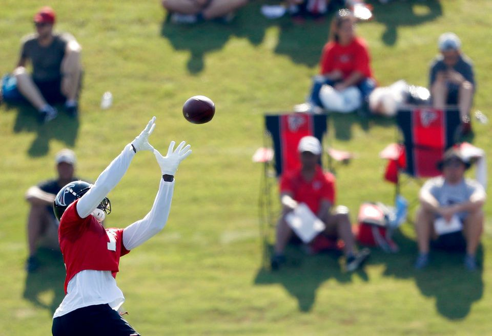 Julio Jones At Atlanta Falcons First Practice Of Training Camp Julio Jones Atlanta Falcons Training Camp