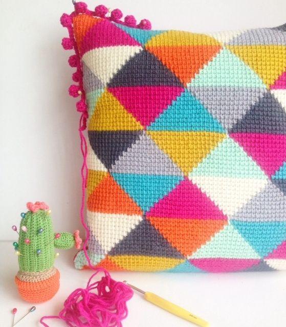 Schon Bunt Crochet Pillow Pattern Crochet Tapestry Crochet Edging