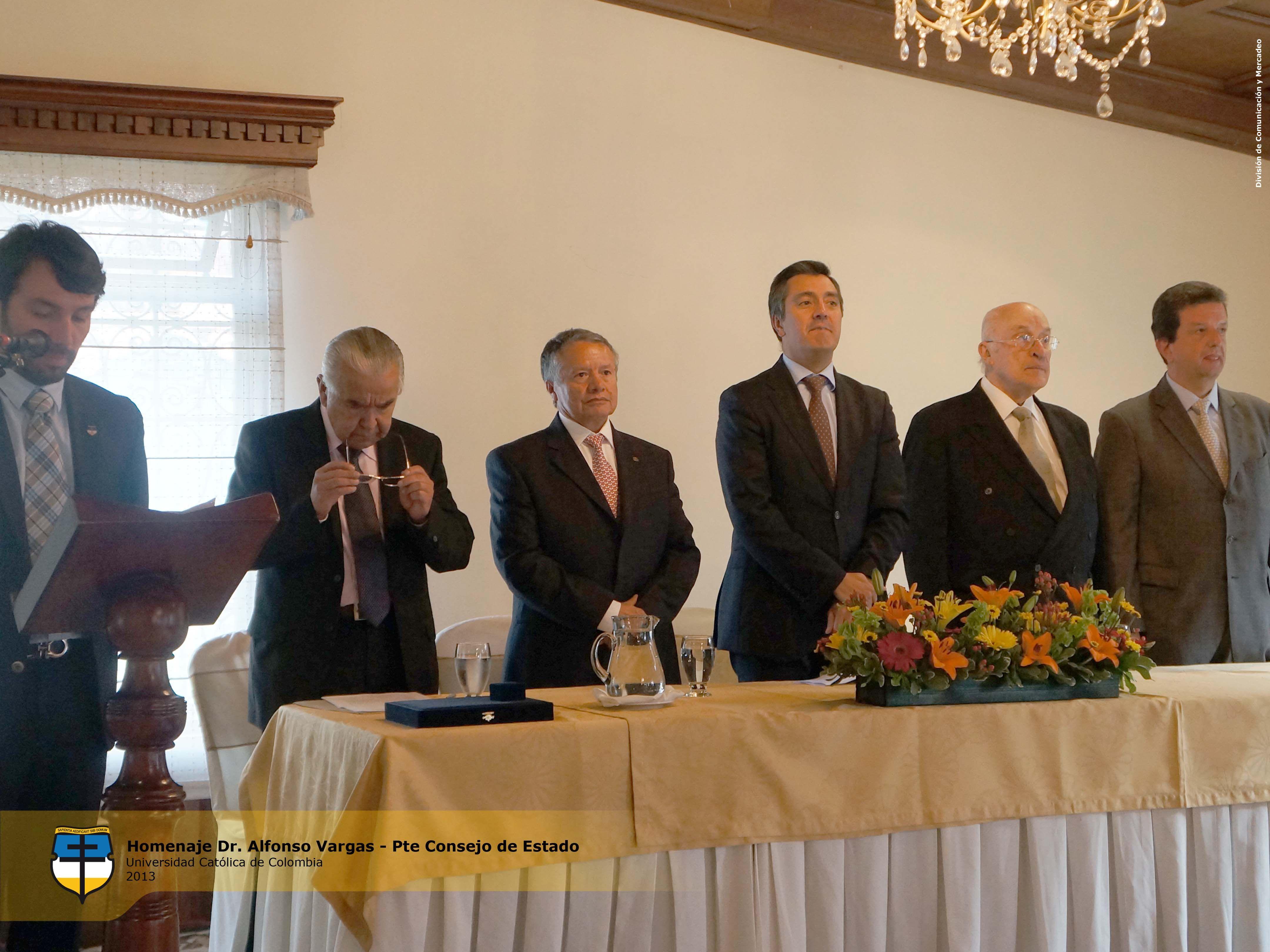 La Universidad Católica de Colombia, realizó un distinguido homenaje al Dr. Alfonso Vargas Rincón, egresado de la Facultad de Derecho, quien fue nombrado Presidente del Consejo de Estado, el pasado 22 de enero de 2013.