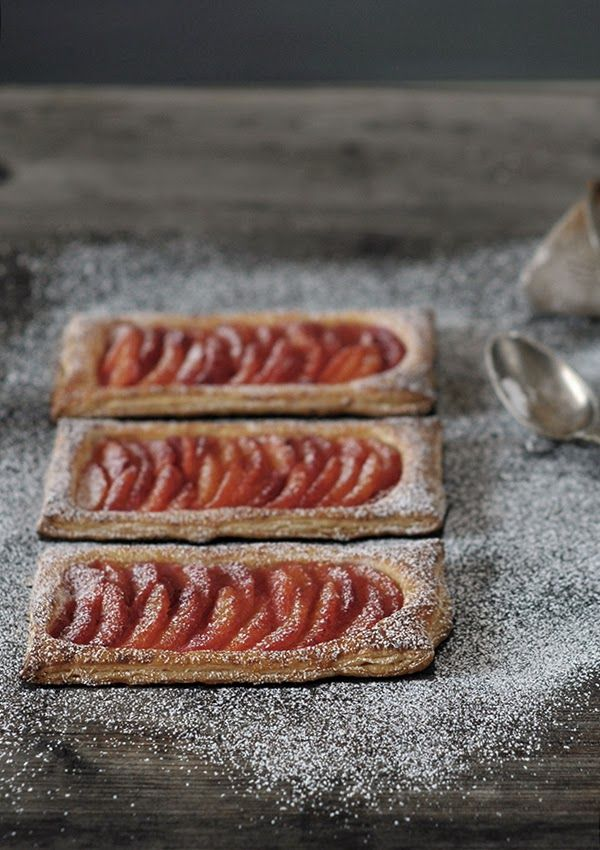 {puff pastry with blood oranges}