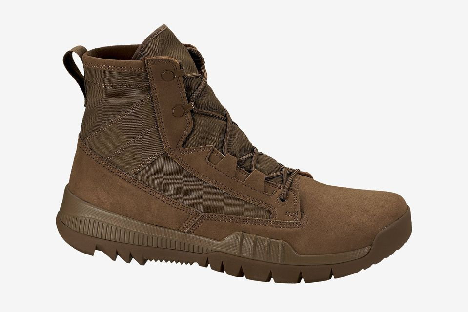 "24f000737615 Nike SFB Field 6"" Boot"
