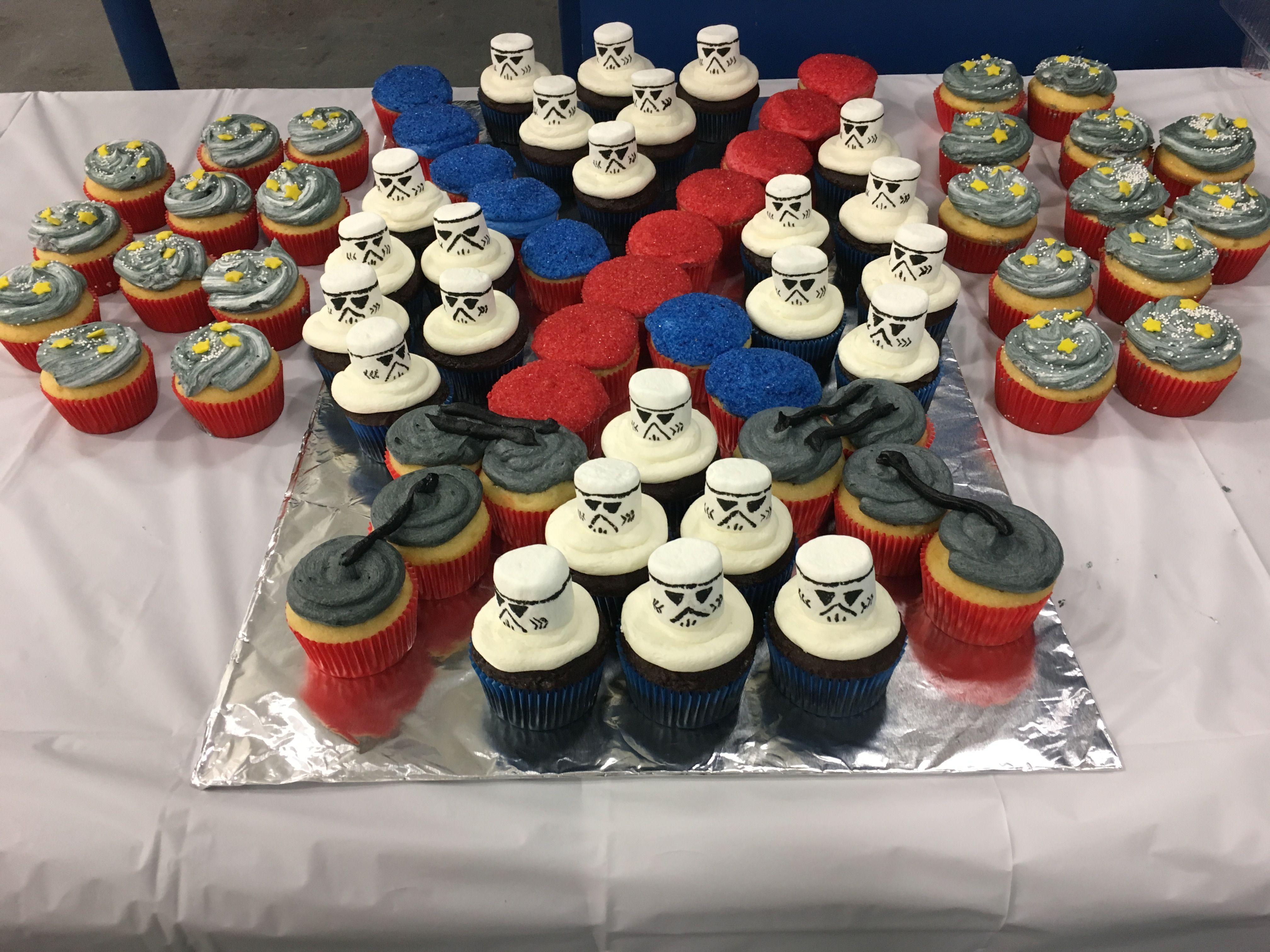 Star Wars Cupcake Cake With Images Star Wars Birthday Cake