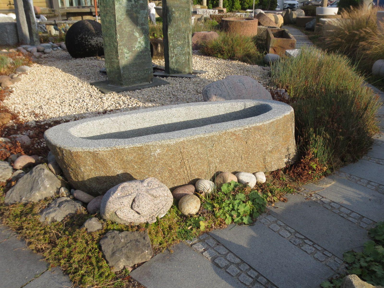 Gartenbrunnen Aus Bayerischem Granit Brunnencenter Allgau Gartenbrunnen Findling Granit