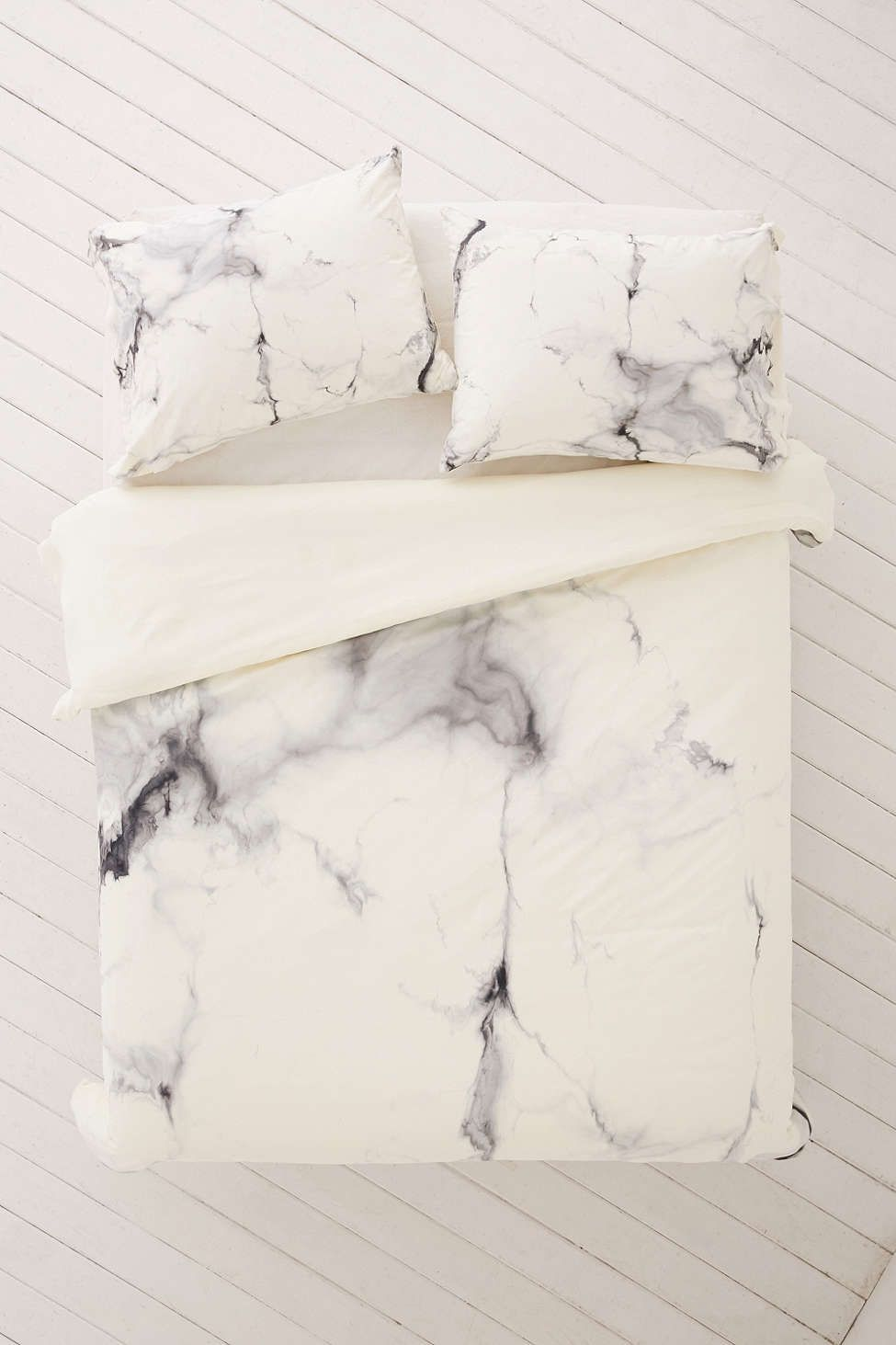 11 Faux Marble Accessories that Look as Good as the RealThing recommendations