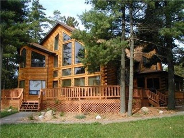 Vrbo Com 3513159ha Shoreline Timbers On Petenwell Lake Wisconsin Cabin Rentals Vacation Home Rentals Lake Vacation Rental Should i rent or buy? pinterest