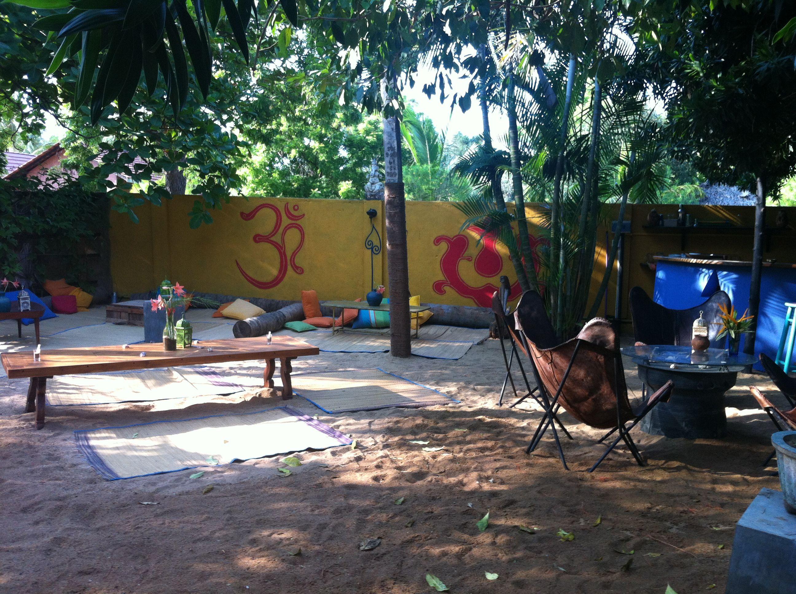 Hideaway heet deze bijzondere accommodatie in Arugam Bay in het Zuid-Oosten van Sri Lanka. Populair bij surfers. Reisspecialist Marleen Cok bezocht deze accommodatie.