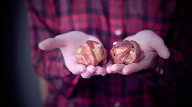 [Vidéo] Kanelbullar – Hømade Bakery | Sunrise Over Sea