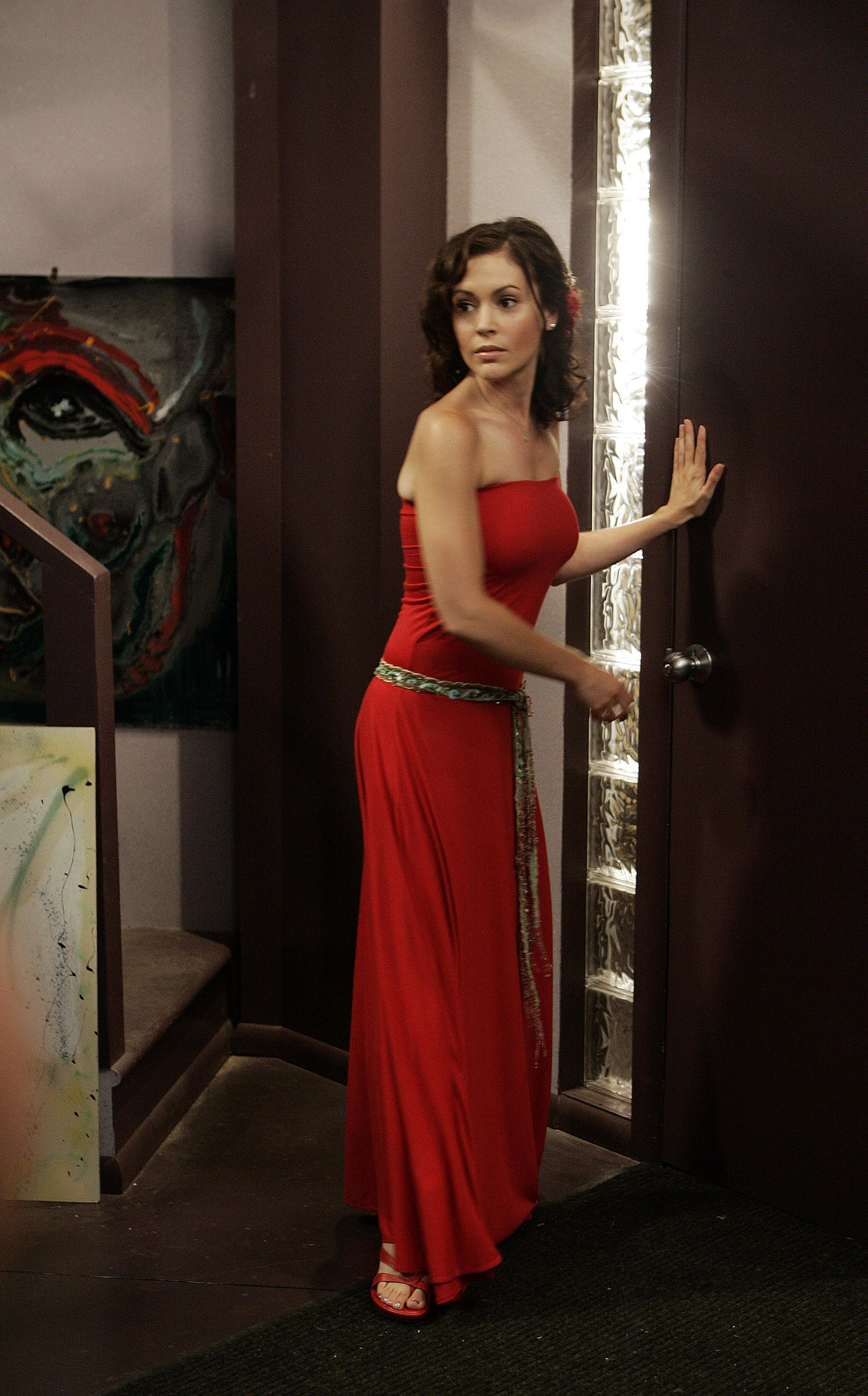 Charmed Love This Dress With Images Alyssa Milano Phoebe