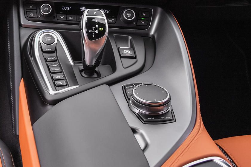 2020 Bmw I8 Coupe Gear Shifter Photo In 2020 Bmw I8 Bmw Coupe
