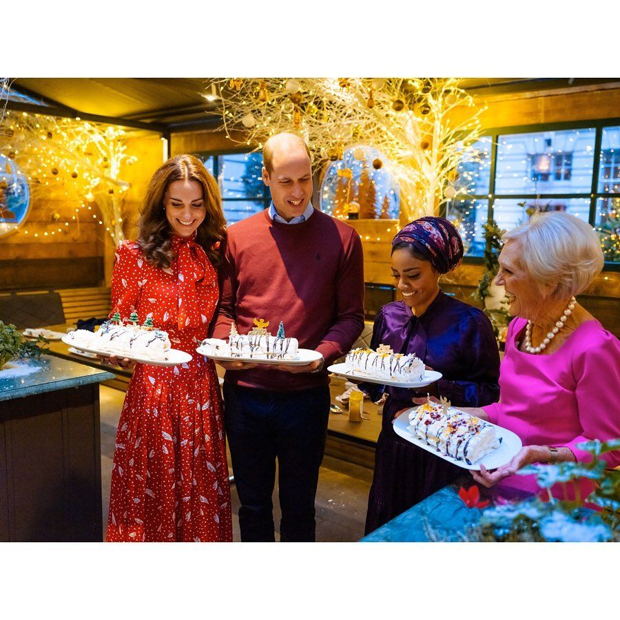 The Duke And Duchess Of Cambridge Have Joined Forces With Cookery Legend Mary Berry To Prepare Festive Mary Berry Duchess Of Cambridge Prince William And Kate