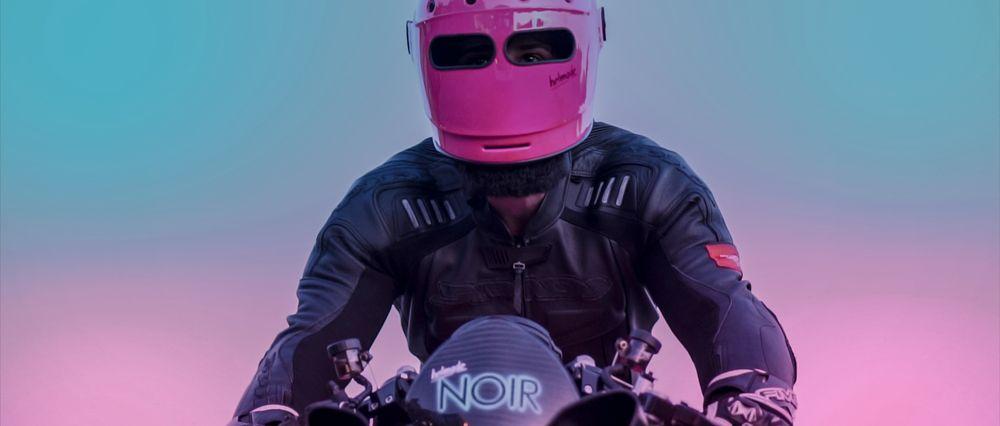 Helmade Bell Bullitt Neon Noir Magenta Pink Turquoise