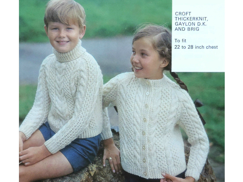 "Baby Girls Boys Cable Jacket Cardigan Sweater KNITTING PATTERN Aran 22-32/"""