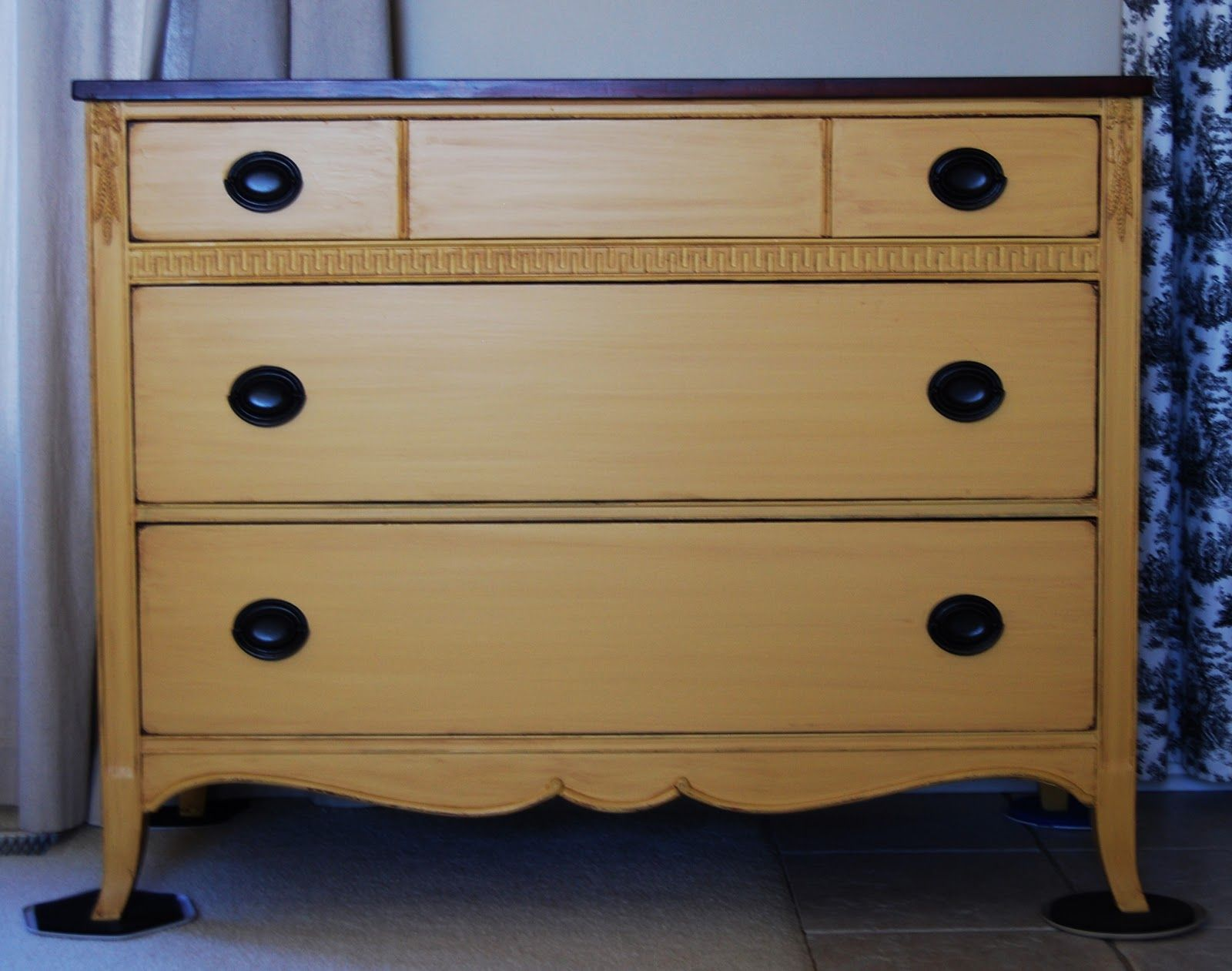 The color is behr pyramid gold ul150 13 the glaze is for Sideboard 09003
