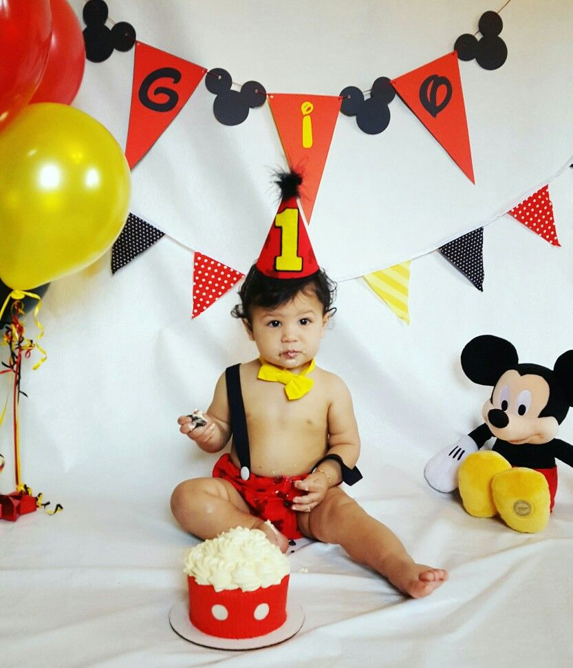 Mickey Mouse 1st birthday cake smash! Mickey mouse first