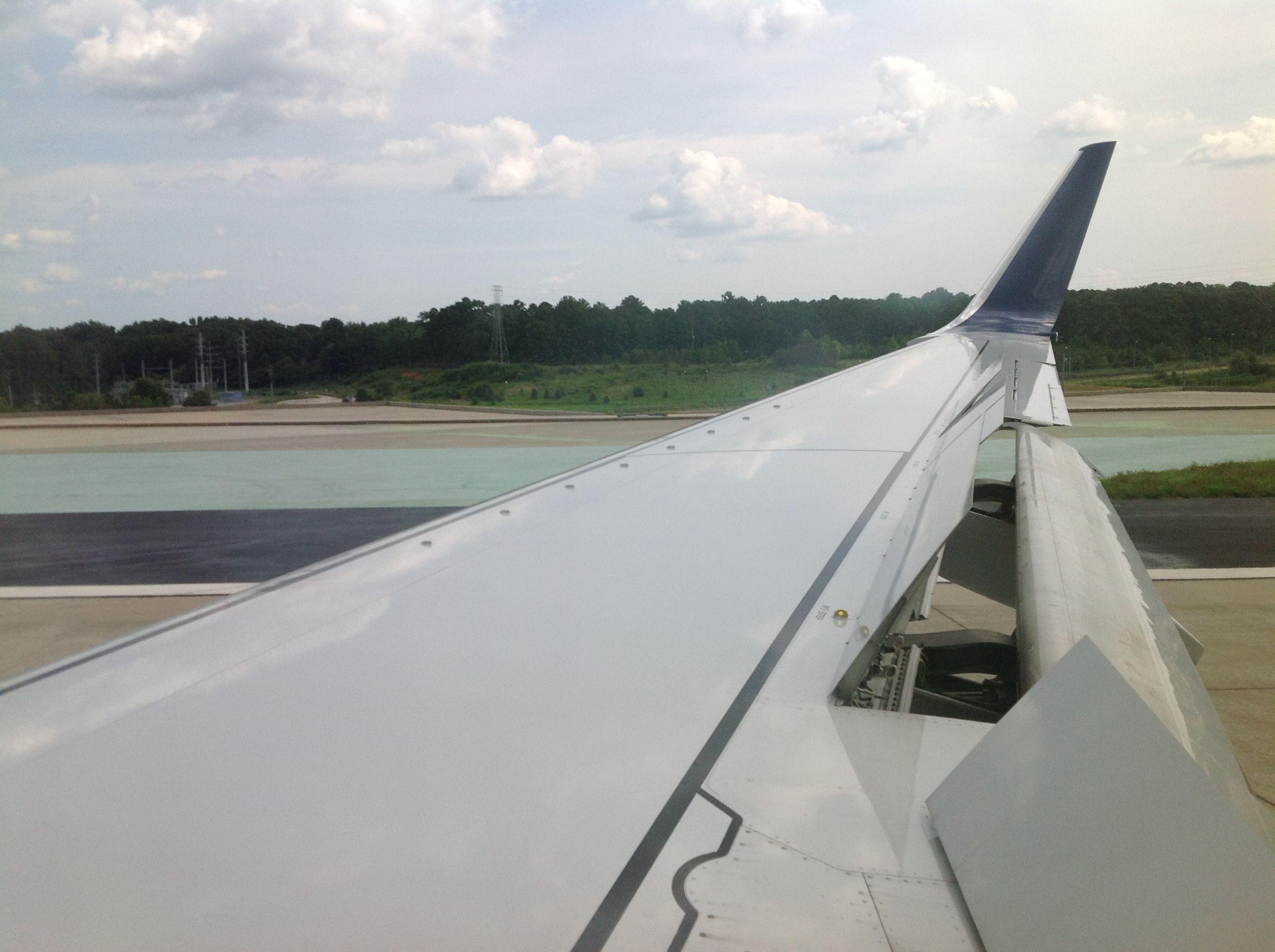Landing (A Joe Cruz photo) Airplane view, Joe cruz, Photo
