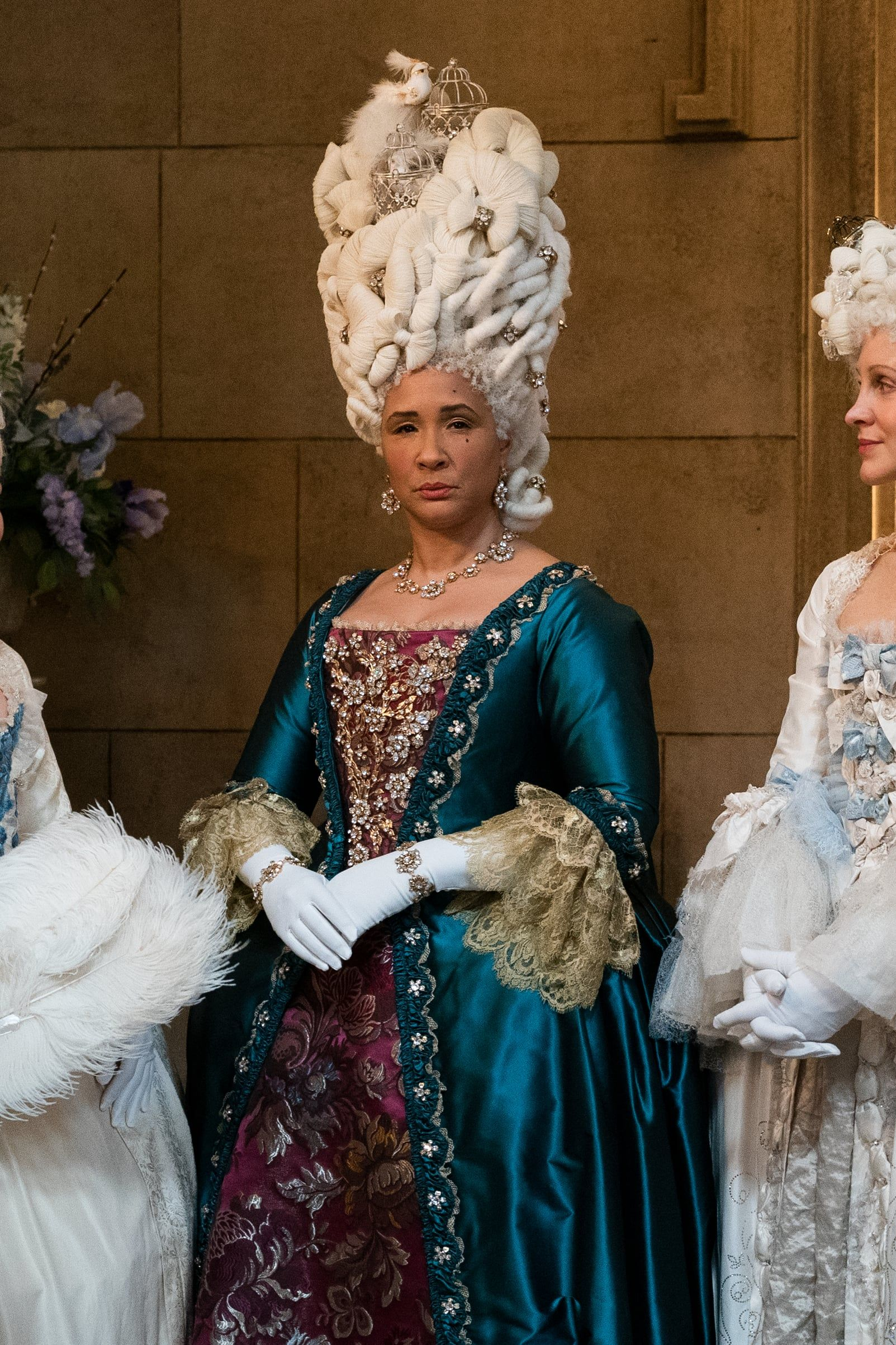 This Queen Charlotte Hairstyle On Bridgerton Was Inspired By Another Queen Beyonce In 2021 Fashion Ethereal Dress Fashion Favorite [ 2405 x 1603 Pixel ]