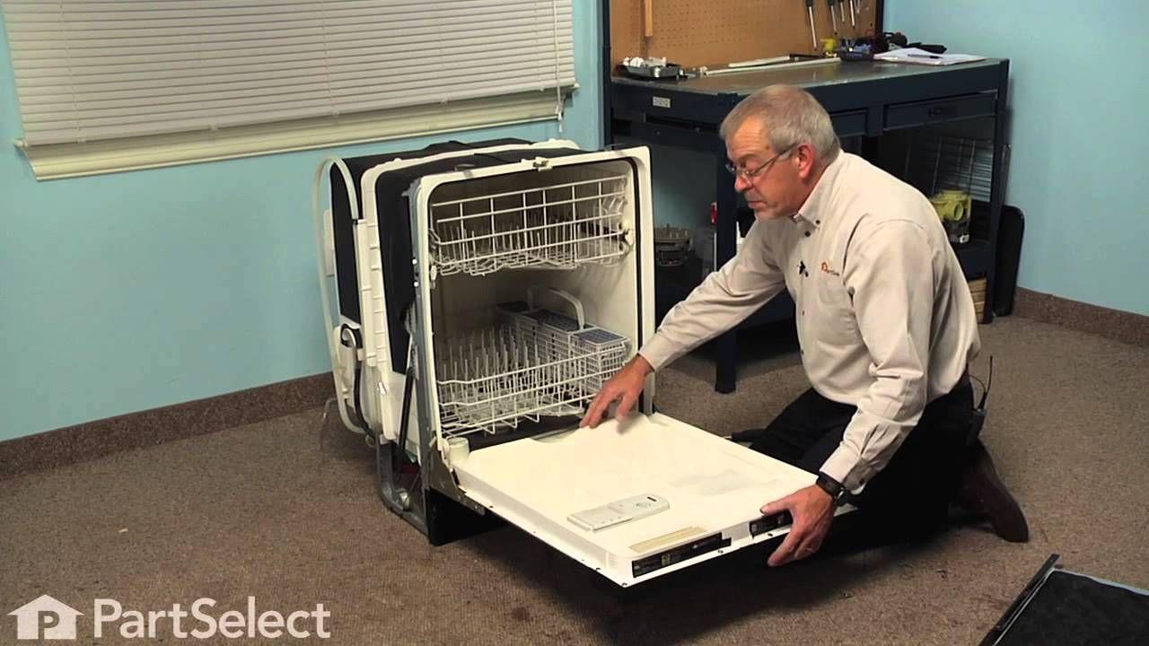 Dishwasher Repair Replacing The Bottom Door Seal Ge Part Wd08x10075 Youtube Dishwasher Repair Door Seals Dishwasher Leaking