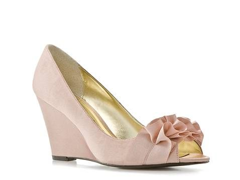 ee6325c39eb7 This is a great wedge shoe