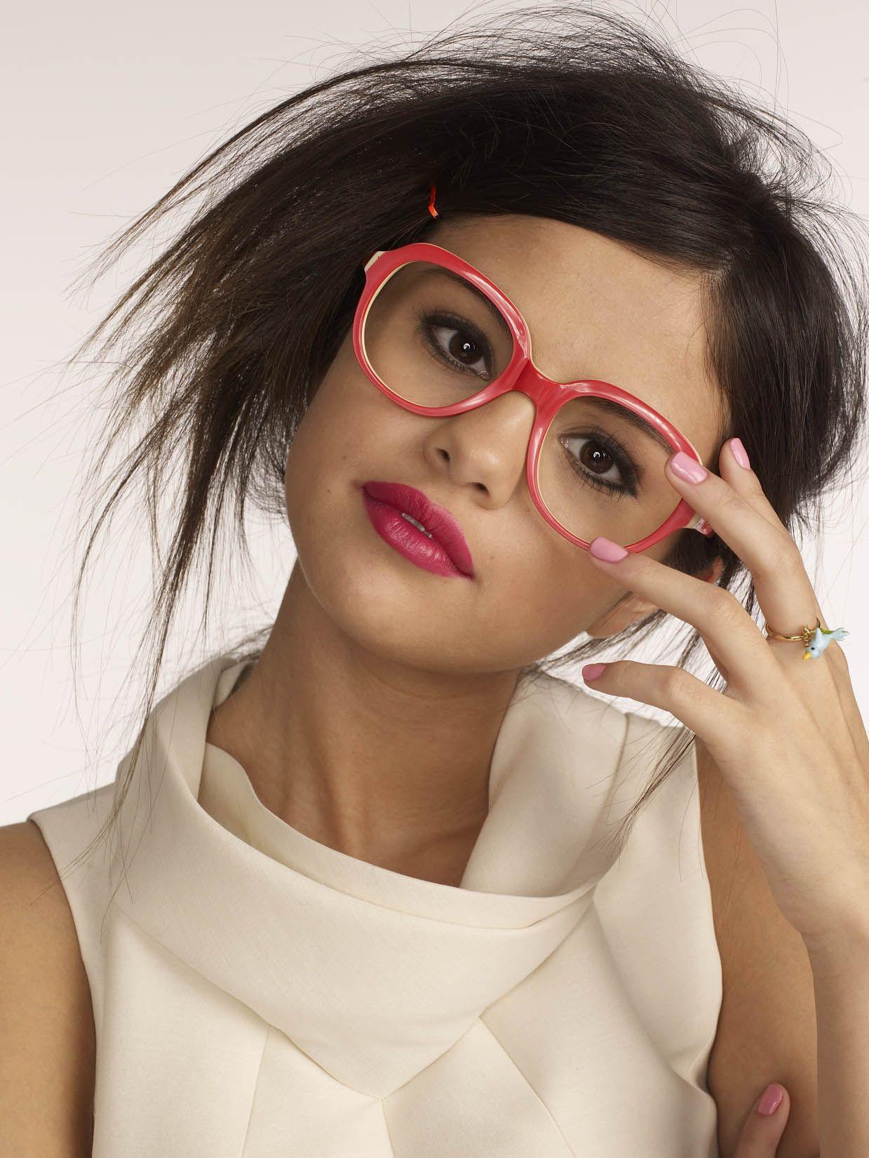 Selena Gomez Glamour Magazine 2011