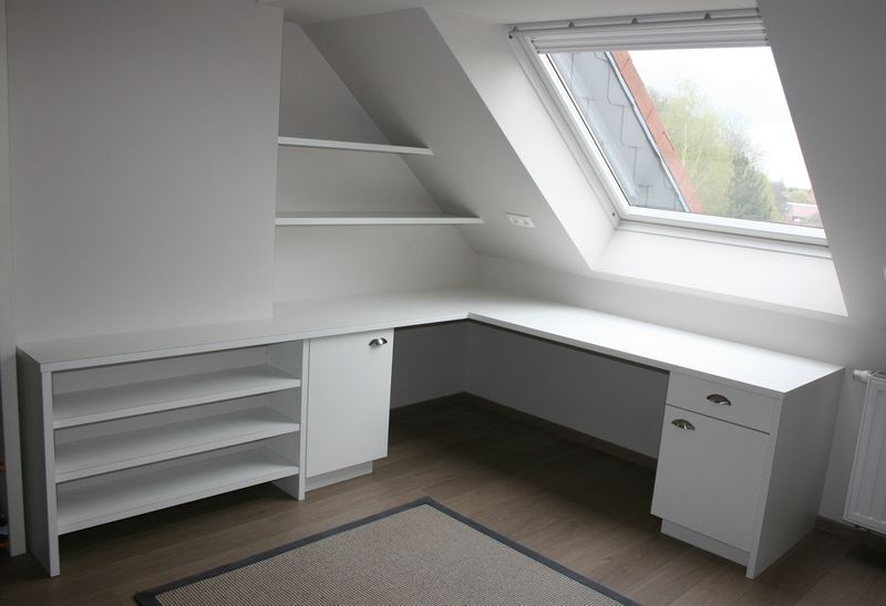 Bureau sous combles closet ideas for back room loft room