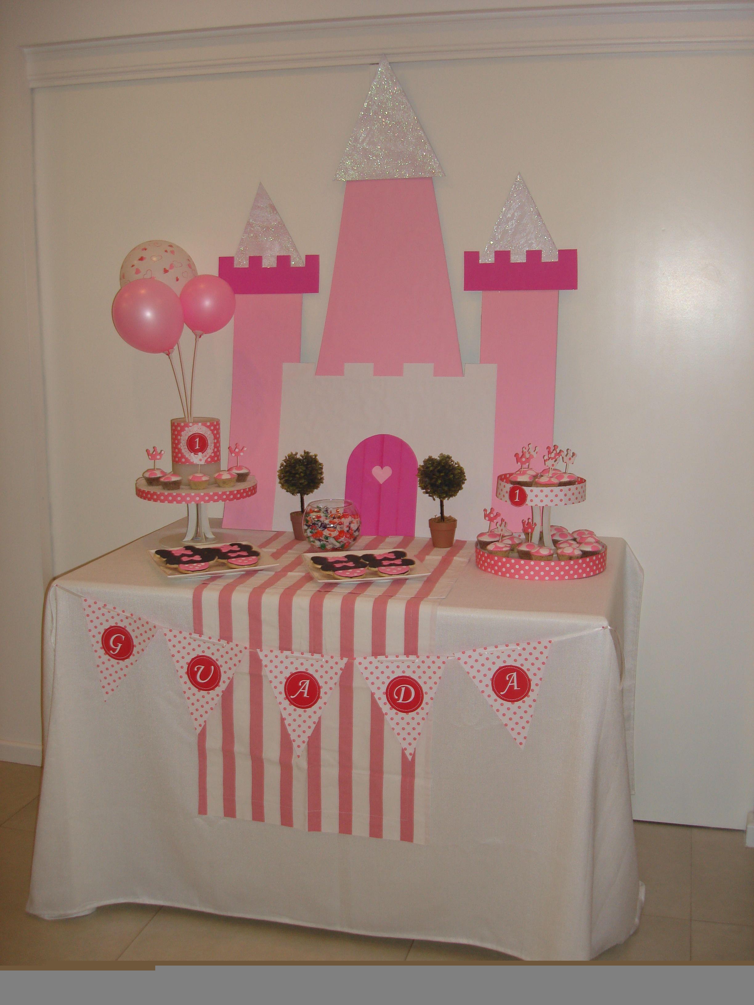 Cumple en rosa y blanco con castillo ideal para un cumple - Fiestas de cumpleanos de princesas ...