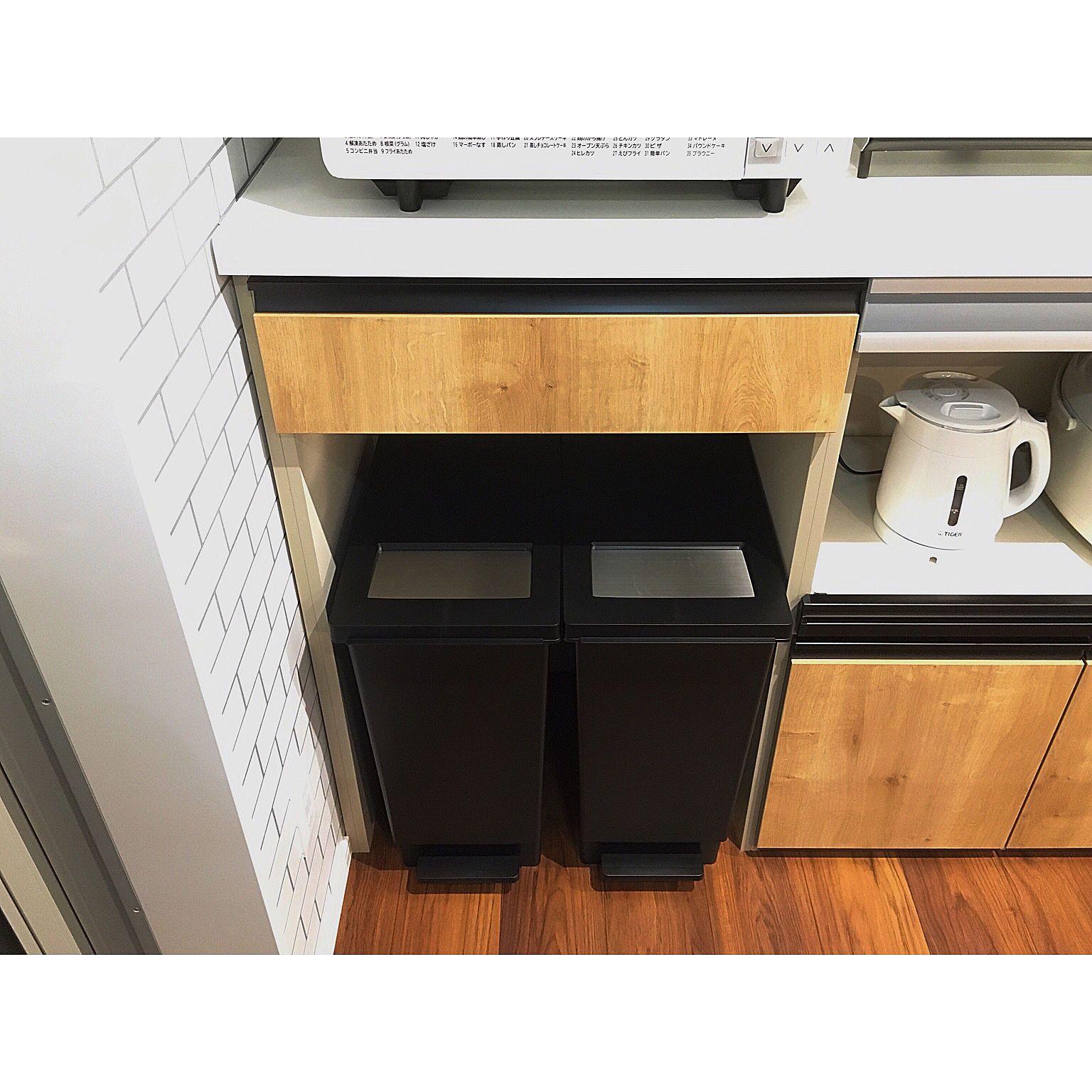 キッチン シンデレラフィット ダストボックス ゴミ箱収納 カップボードのインテリア実例 2018 03 30 10 47 42 Roomclip ルームクリップ カップボード インテリア 収納 リクシル